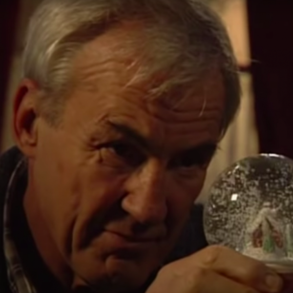 Christmas Countdown 16: Who killed Archie Mitchell? EastEnders 2009
